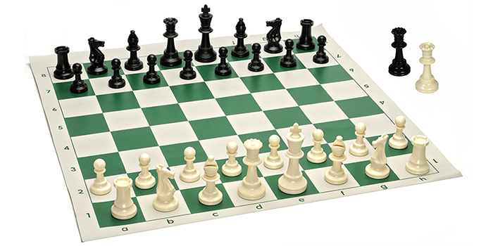 WE Games Best Value Tournament Chess Set